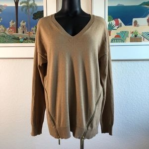 NWOT Michael Kors V Neck Long Sleeve Sweater L